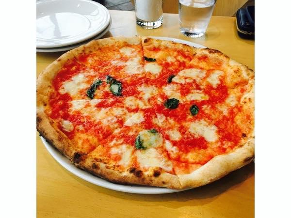 La・Terrzzaのピザ