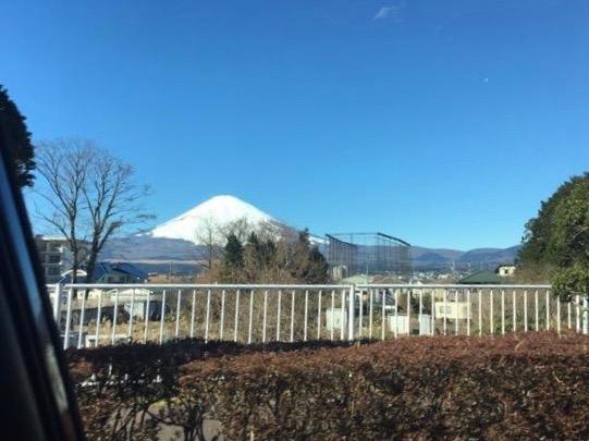 車からみた富士山