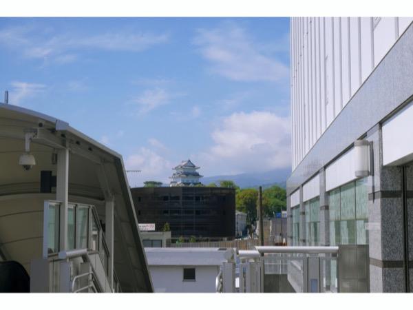 小田原駅東口を出たところから見えた小田原城