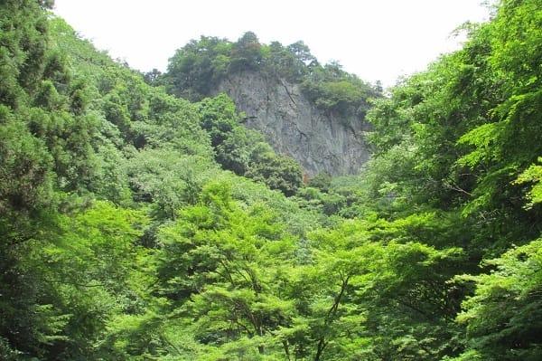 檜原村にある神戸岩