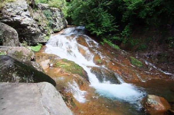 横谷渓谷一枚岩