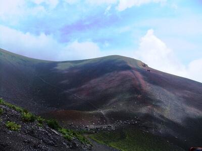 宝永山ルートから見る宝永山