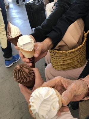 直島の海の駅で食べたソフトクリーム