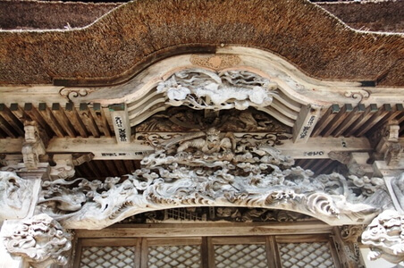 西福寺雲蝶の彫刻