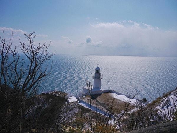 地球岬から見えるチキウ岬灯台