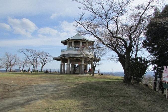 権現山山頂展望台