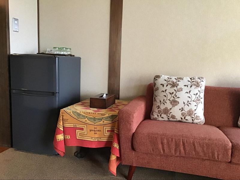 高原旅館 野辺山荘 10畳+書斎のお部屋 の冷蔵庫