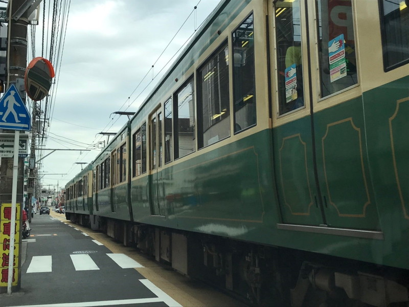 江ノ電(車と並行方向)